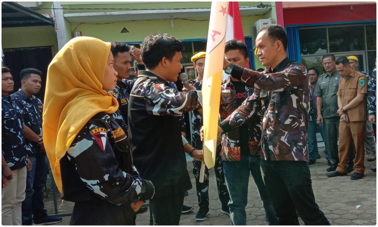 Penyerahan Bendera Pataka Kepada Ketua Terlantik. Foto: Rakyatsumut.com/ Rifai Dalimunthe