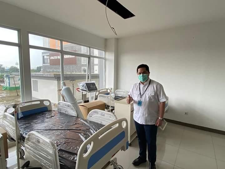 Erick Thohir di RS Darurat Penanganan Covid-19 di Wisma Atlet Kemayoran. Foto: Istimewa