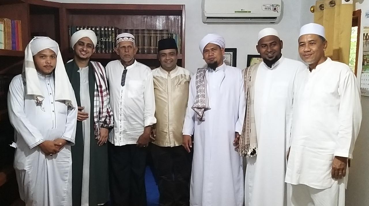 Balon Bupati Simalungun Muhajidin Nur Hasim akrab disapa bang Hasim saat bertemu para Habaib dan Ulama di Pondok Pesantren Al Imam Waki'. Foto: Istimewa