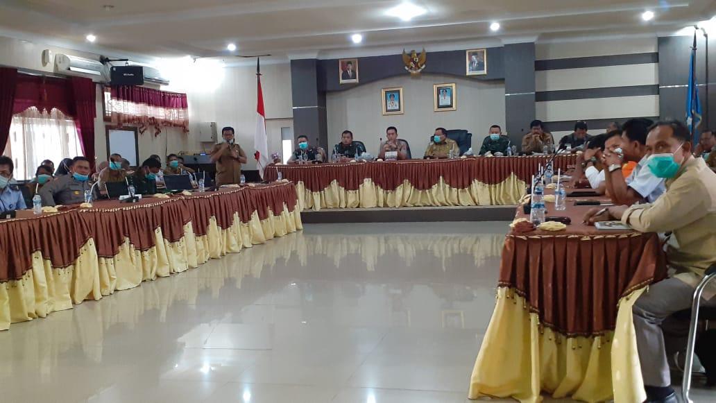 Rapat kordinasi lintas sektor terkait covid-19 di Kota Sibolga. Foto: Rakyatsumut.com/ Mirwan Tanjung