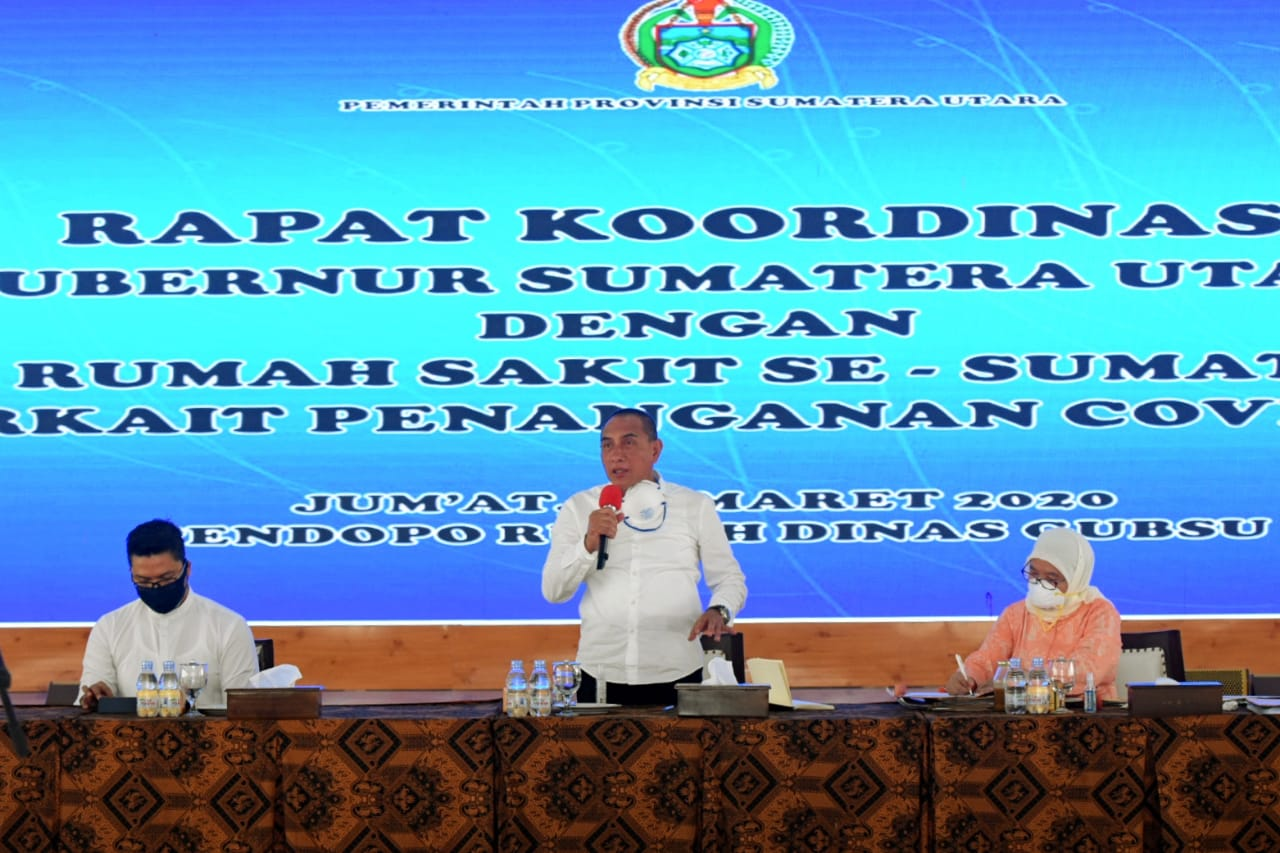 Gubernur Sumut Edy Rahmayadi memimpin rapat koordinasi bersama dengan pimpinan Rumah Sakit se Sumut terkait penanganan Covid-19. Foto: Biro Humas dan Keprotokolan Setdaprovsu / Imam Syahputra