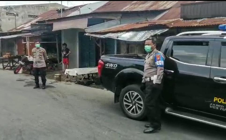 Polsek Medan Timur Sosialisasikan pencegahan penularan Covid-19 di pusat pasar dan mall. Foto: Screenshoot