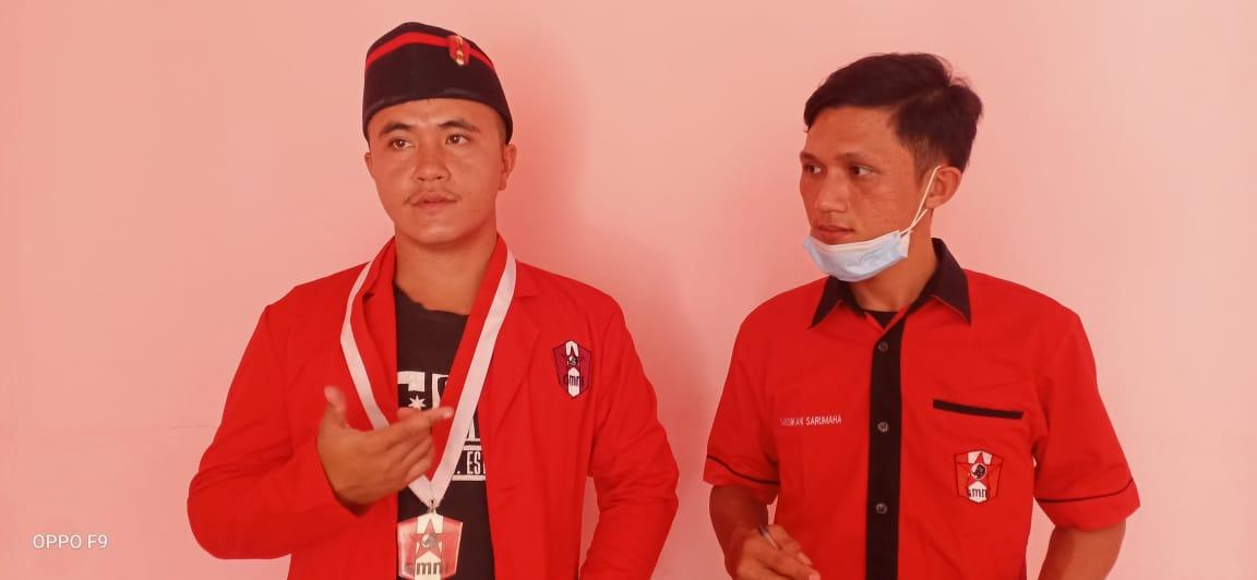 Ketua DPC Gerakan Mahasiswa Nasional Indonesia (GMNI) Herianto Duha (kiri foto) dan Sekretaris Cabang Saksikan Sarumaha (kanan foto). Foto: Rakyatsumut.com