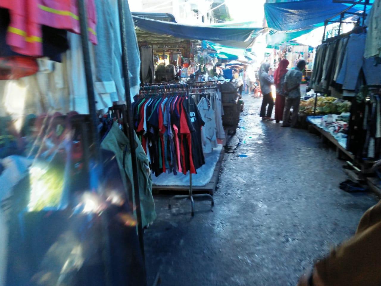 Kondisi pasar Sibolga Nauli yang sepi pengunjung. Foto: rakyatsumut.com/ Rommy