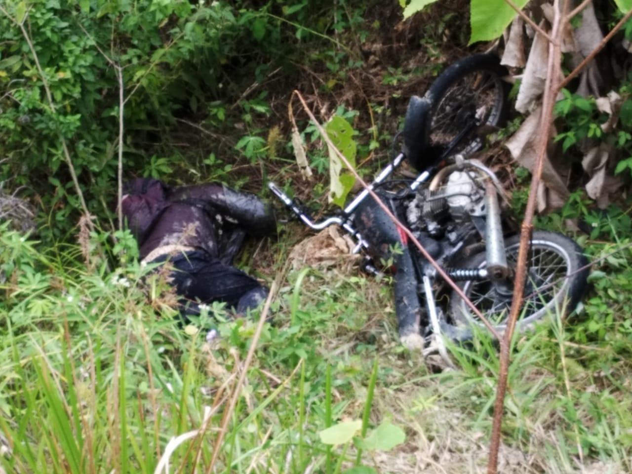 Korban bersama septornya saat masih di TKP. Foto: istimewa