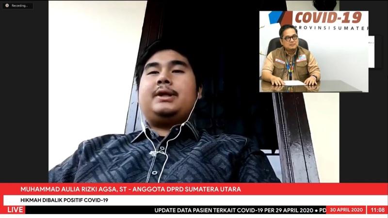 Aulia Rizki Agsa saat konferensi video live dengan Jubir GTPP Covid-19 Sumut, Aris Yudhariansyah. Foto: Istimewa