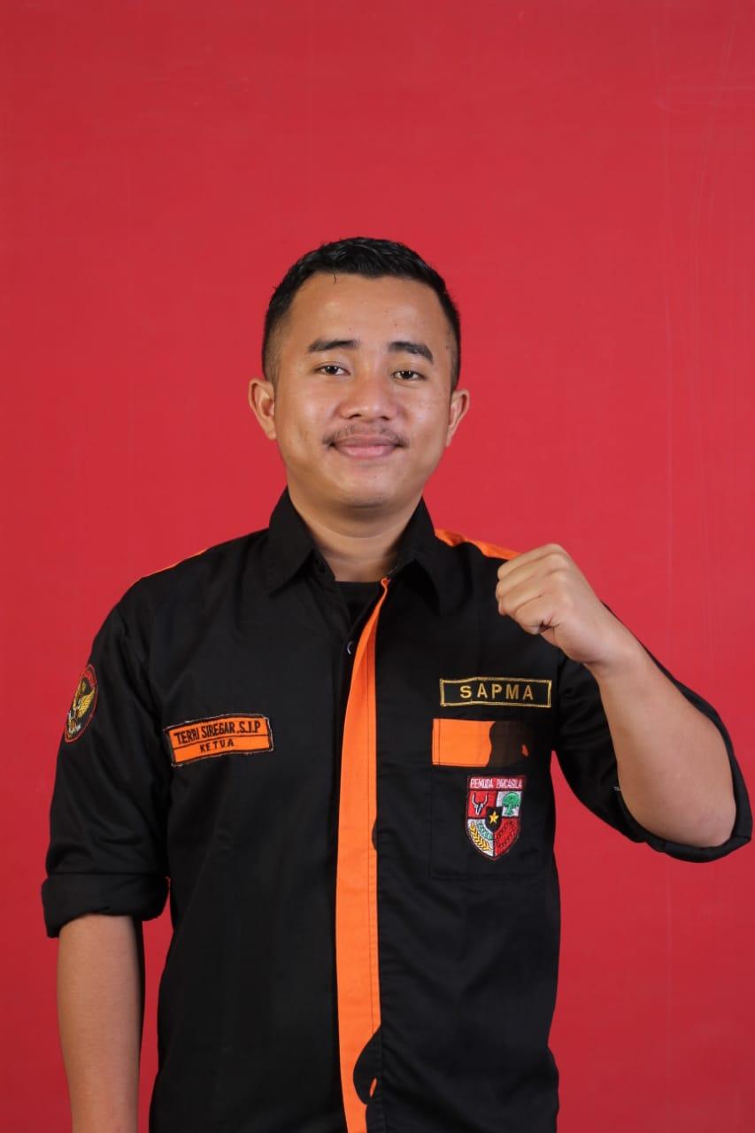 Terri Genta, Pimpinan Cabang Satuan Pelajar/ Siswa dan Mahasiswa Pemuda Pancasila (PC SAPMA PP) Taput. Foto: Istimewa