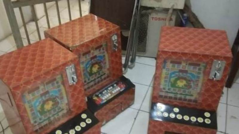 Tiga unit mesin jackpot yang diamankan di Kota Sibolga. Foto: Istimewa