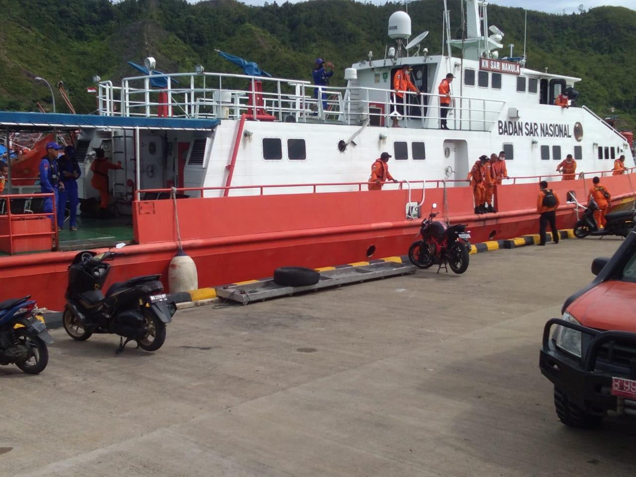Kapal milik Basarnas saat persiapan pencarian kapal asal Barus yang hilang kontak. Foto: Istimewa
