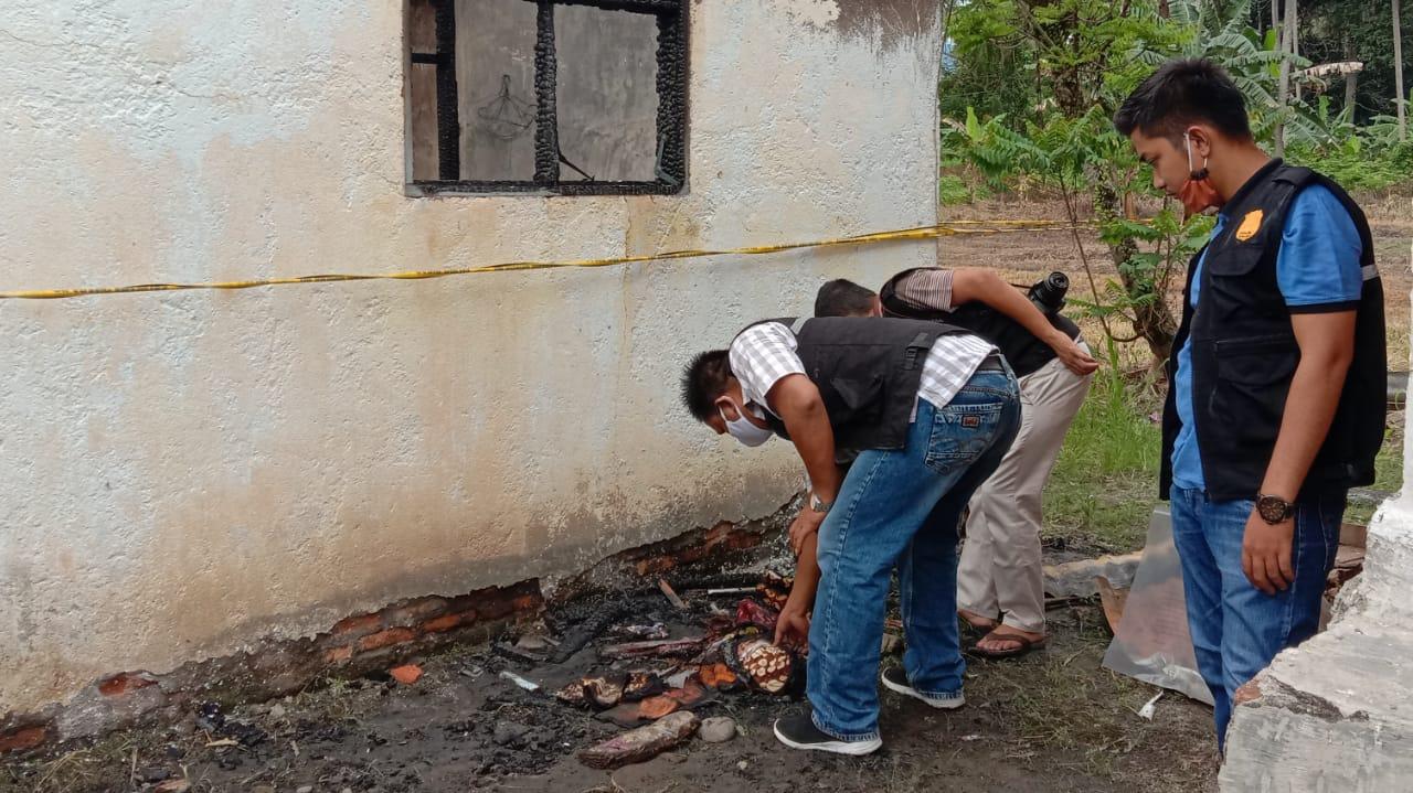 Tim Inafis Polres Tapsel lakukan olah TKP. Foto: Rakyatsumut.com/ Rifai Dalimunthe