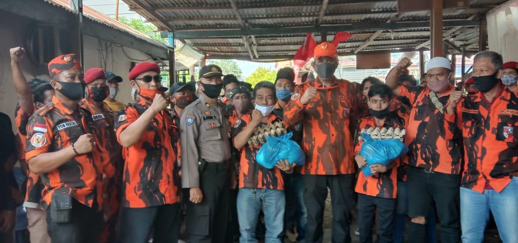 Foto bersama kader Pemuda Pancasila Kelurahan Indra Kasih, Kecamatan Medan Tembung. Foto: Istimewa