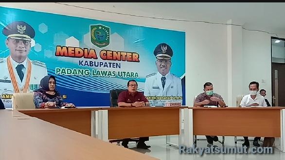Tim GTPP Covid-19 Kab. Paluta gelar Konferensi Pers, Jum'at (13/6/2020). Foto : Rakyatsumut.com/ Rifai Dalimunthe