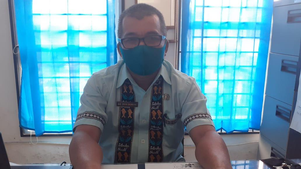 Sekretaris Dinas Pendidikan Sibolga, Erman Sikumbang. Foto: Rakyatsumut.com/ Mirwan Tanjung