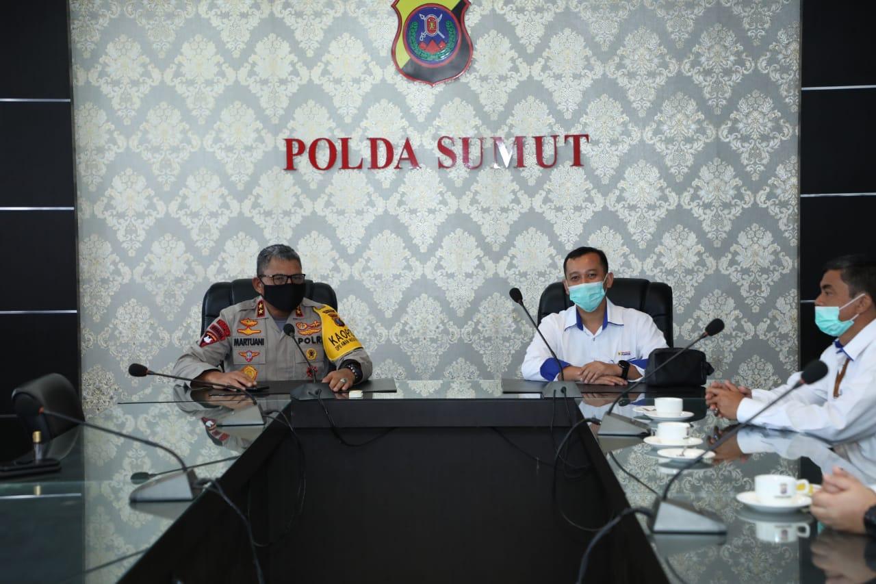 Kapolda Sumut, Irjen Pol Martuani Sormin bersama General Manager PT. Indonesia Power PLTU, Rizqi Priatna. Foto: istimewa