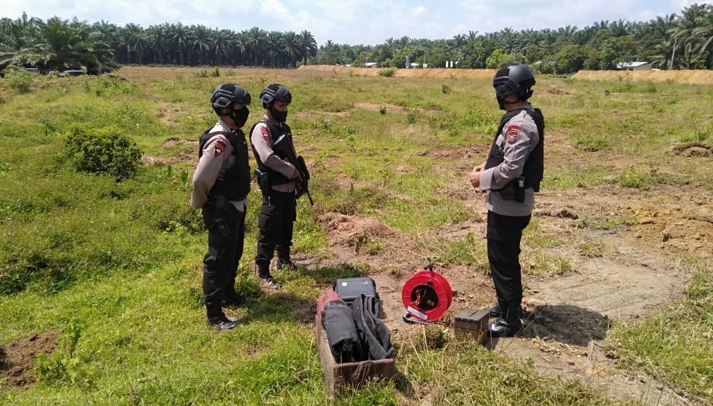 Proses Disposal bom mortir oleh Tim Jibom Brimobda Polda Sumatera Utara. Foto: Dok. Polres Serdang Bedagai
