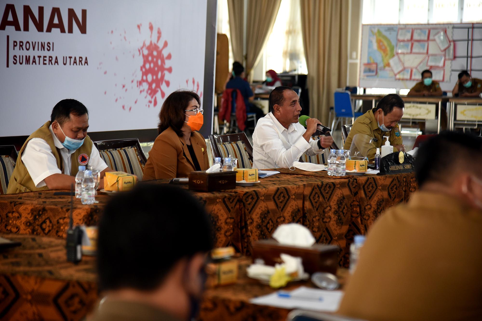 Gubernur Sumatera Utara Edy Rahmayadi didampingi OPD terkait mengikuti Rapat Dengar Pendapat Umum (RDPU) Panitia Kerja Pemulihan Pariwisata Komisi X DPR RI melalui Aplikasi Zoom. Foto: Biro Humas Setdaprovsu/ Fahmi Aulia