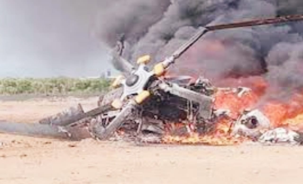 Helikopter TNI AD jatuh di Kendal. Foto: Istimewa