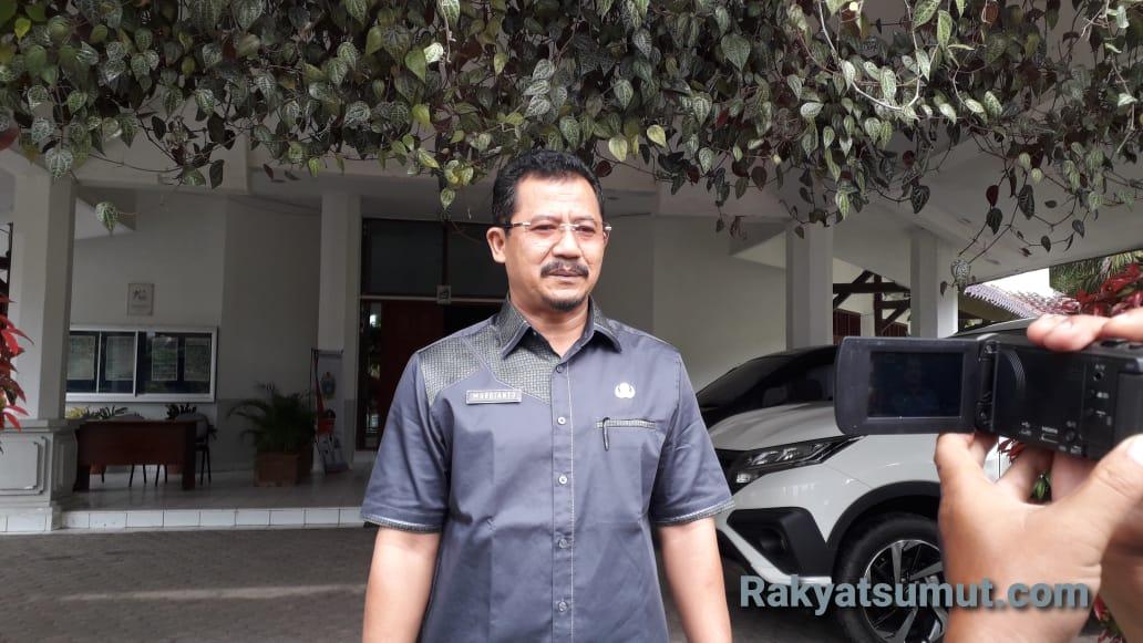 Kepala Sekolah SMA Negeri 1 Matauli Pandan. Foto: Rakyatsumut.com
