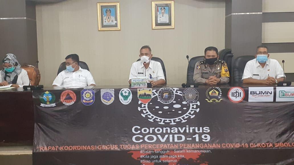 Konfrensi Gugus Tugas Sibolga terkait 8 pasien Covid-19 yang dinyatakan sembuh. Foto: Rakyatsumut.com/ Mirwan Tanjung