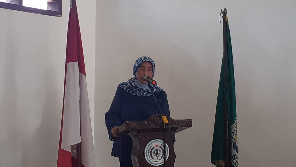 Delmeria Sikumbang saat membuka Sosialisasi 4 pilar kebangsaan di Kampus Sekolah Tinggi Ilmu Agama Islam Bahriatul Ulum. Foto: istimewa