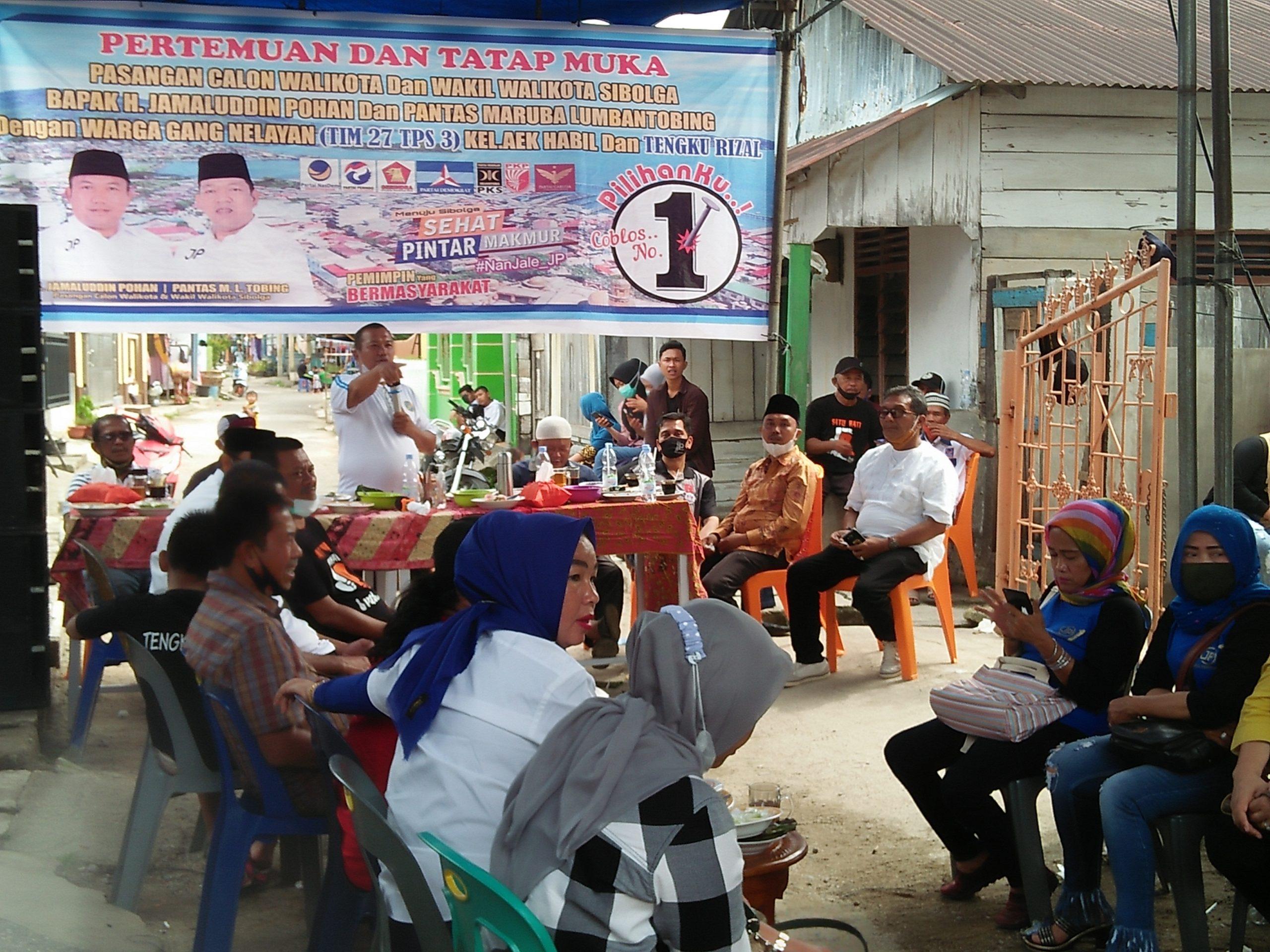 Jamaluddin Pohan saat menyampaikan janji politik kepada masyarakat di gang nelayan. Foto: Rakyatsumut.com/ Rommy