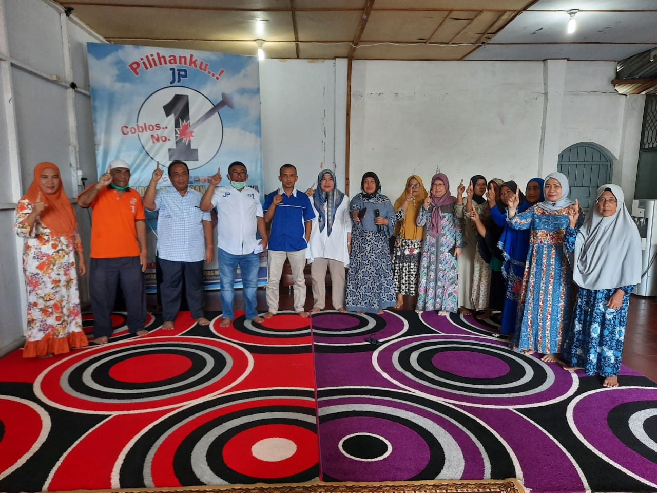 Aliudin Pohan atau UDP bersama keluarga usai konferensi Pers. Foto: istimewa
