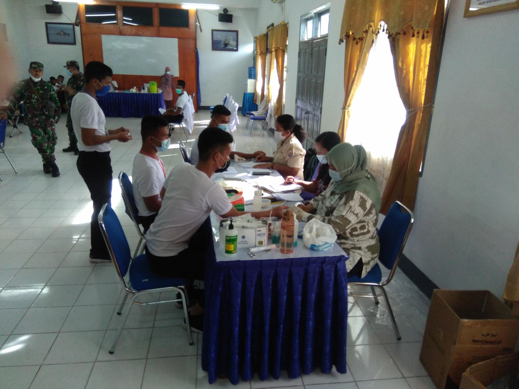 Para peserta saat mengecek kesehatan. Foto: istimewa