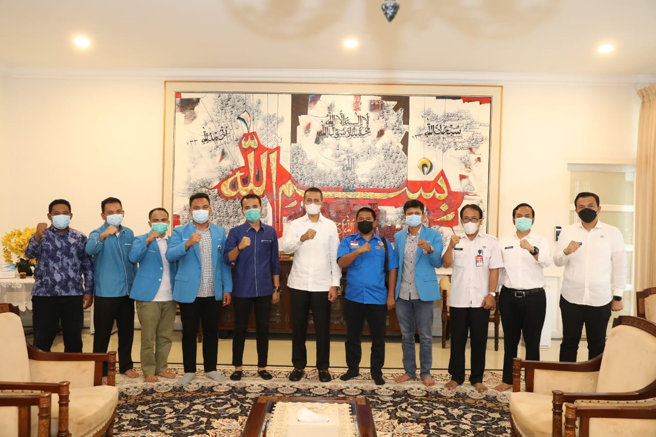 Foto bersama pengurus DPD KNPI Sumut dan Wakil Gubernur Sumut. Foto: Istimewa
