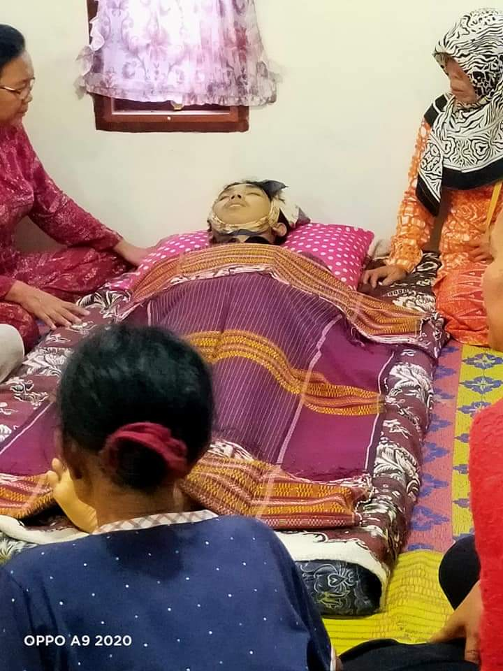 Korban saat disemayamkan dirumah keluarganya Master Gultom, di Desa Mardame. Foto: istimewa