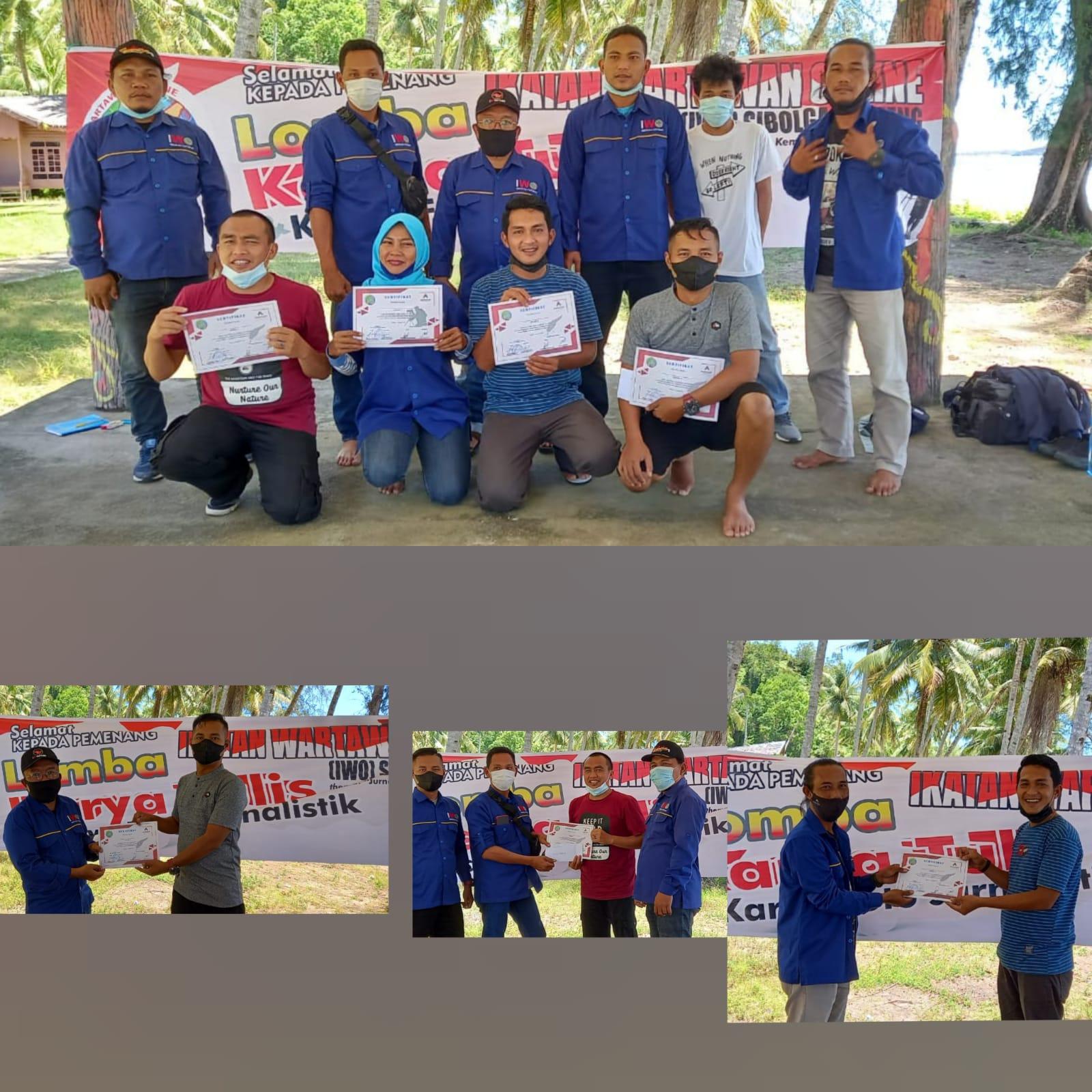 Ketua IWO Sibolga-Tapteng, Rommy Pasaribu bersama para pengurus IWO dan anggota foto bersama dengan para pemenang lomba. Foto: istimewa