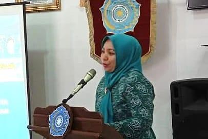 Ketua Tim Penggerak (TP) PKK Kabupaten Tapanuli Tengah Ny. Citra Bakhtiar Sibarani saat menyampaikan pidatonya. Foto: istimewa
